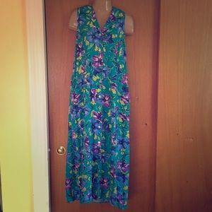 Beautiful Floral Long Lightweight Summer Dress!